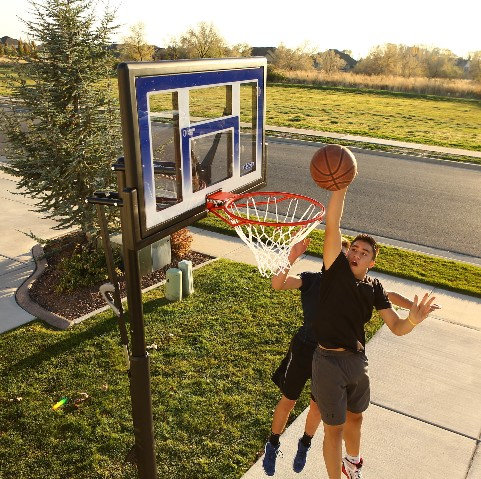 Best In-Ground Basketball Hoops Reviewed By Expert 20
