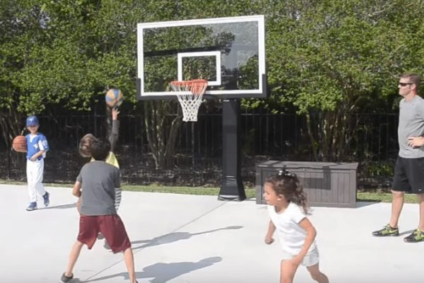What is the diameter of a basketball hoop or rim